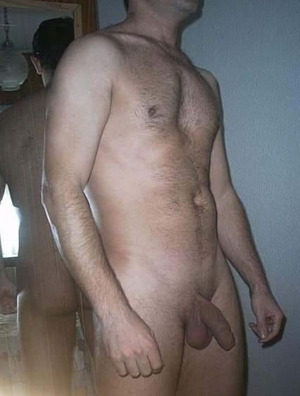 Un masseur a la bite bien dure - Vidos gays gratuites