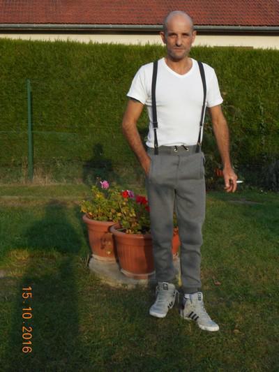 Rencontre entre mecs Picardie - Oise (60) - Breteuil. cherche mec actif