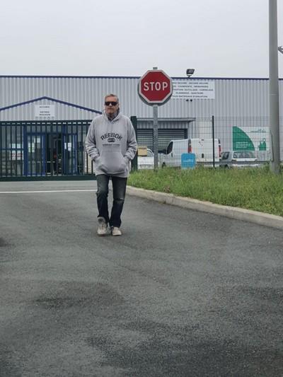 Rencontre entre mecs Poitou-Charentes - Charente (16) - Mosnac. mur ch amante suivie disc